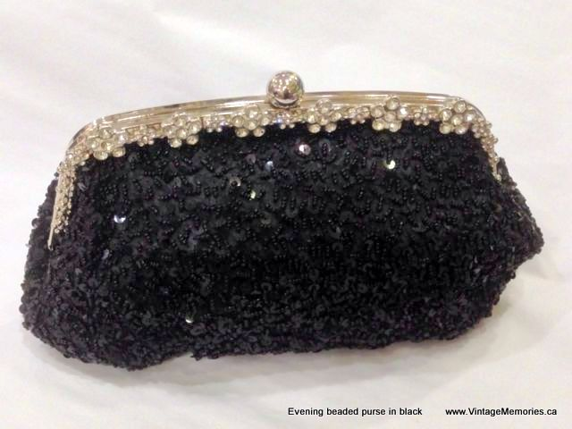 Evening beaded purse in black